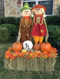 Superb Front Yard Halloween Decoration Ideas To Try Asap 39