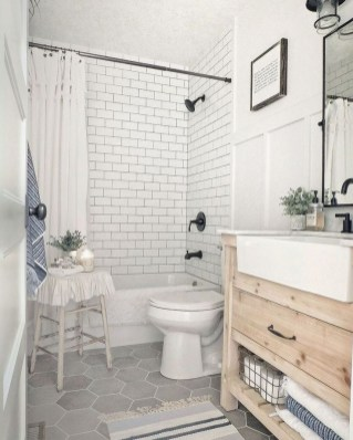 Unusual Remodel Design Ideas To Be Modern Farmhouse Bathroom 08