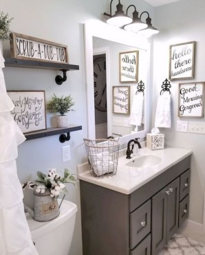 Unusual Remodel Design Ideas To Be Modern Farmhouse Bathroom 43