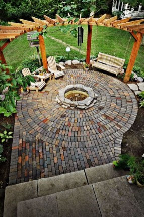 Awesome Backyard Landscaping Design Ideas For Your Home 16