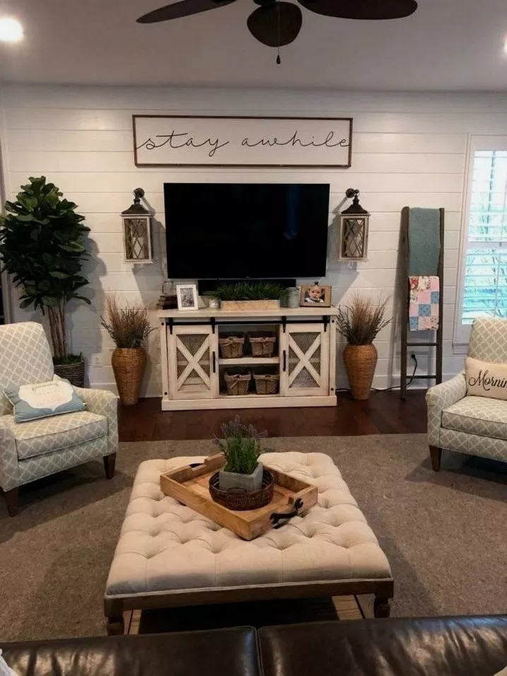 Comfy Farmhouse Living Room Decor Ideas That You Need To See 35