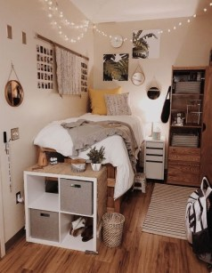 Elegant College Dorm Room Design Ideas That Suitable For You 20