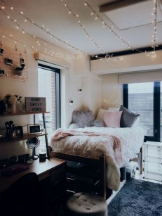 Elegant College Dorm Room Design Ideas That Suitable For You 23