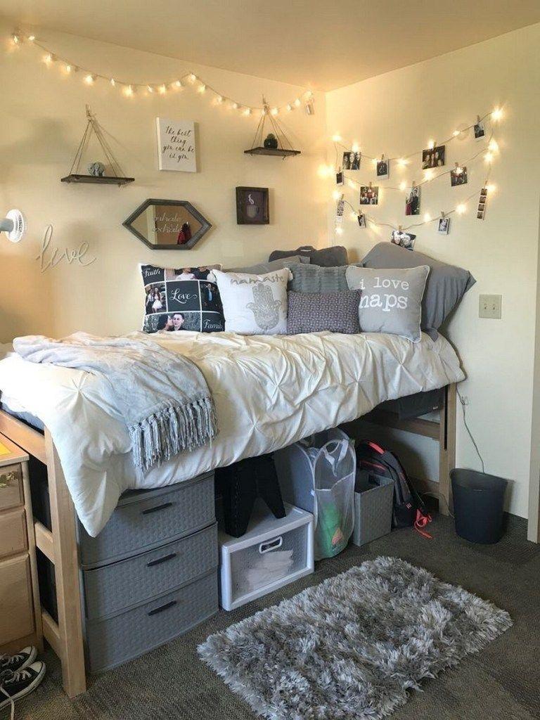 Elegant College Dorm Room Design Ideas That Suitable For You 26