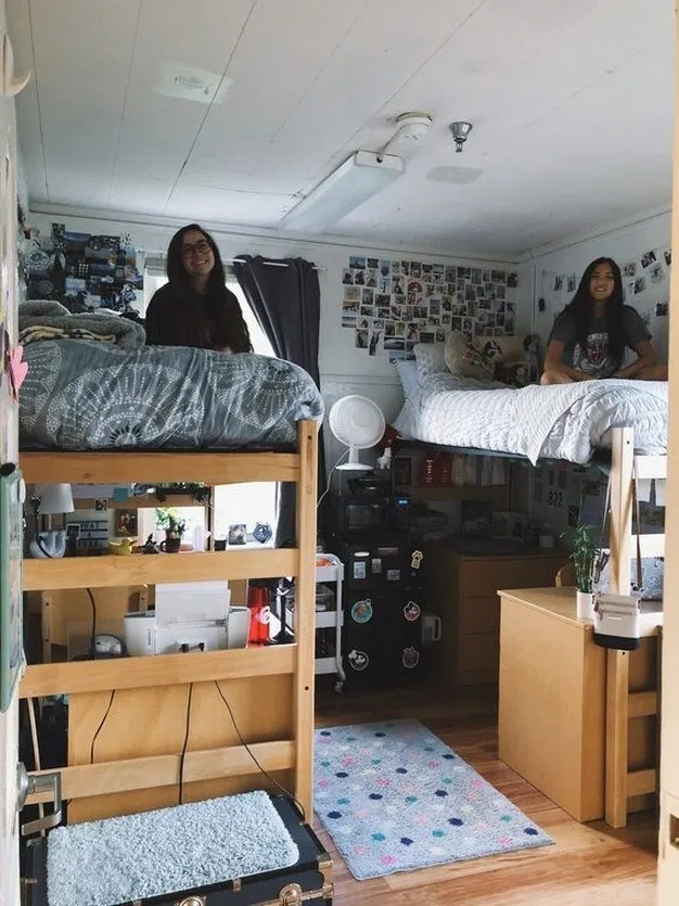 Elegant College Dorm Room Design Ideas That Suitable For You 33
