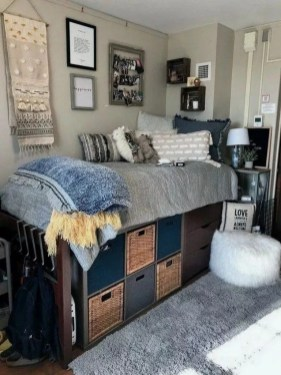 Elegant College Dorm Room Design Ideas That Suitable For You 42