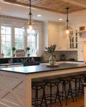 Enchanting Lighting Design Ideas For Modern Kitchen To Try Asap 33