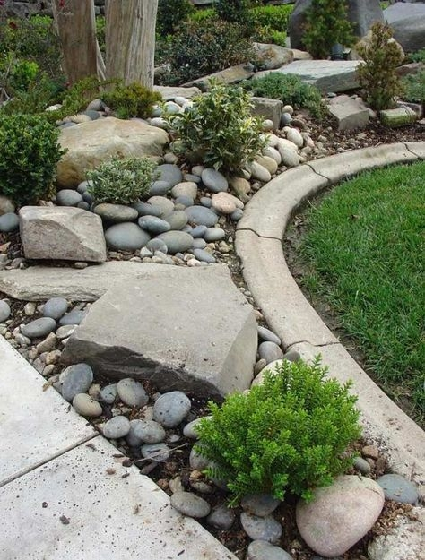 Pretty Lawn Edging Design Ideas For Your Yard To Try 01