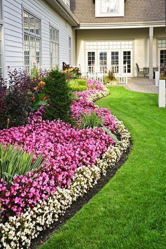 Pretty Lawn Edging Design Ideas For Your Yard To Try 10