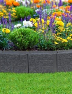 Pretty Lawn Edging Design Ideas For Your Yard To Try 13