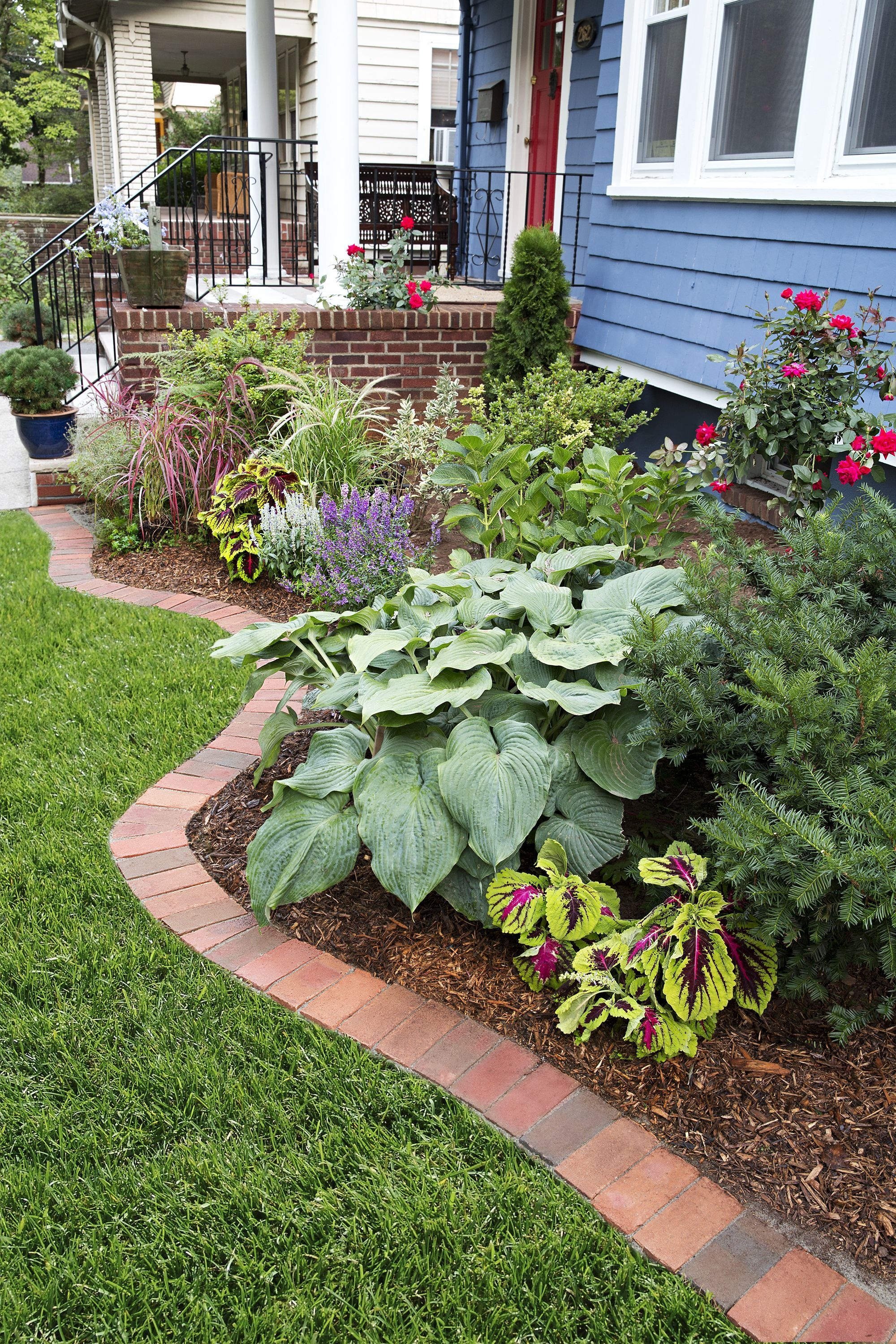 Pretty Lawn Edging Design Ideas For Your Yard To Try 14