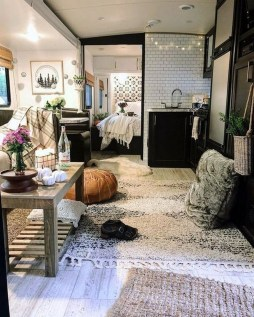 Relaxing Tiny House Makeovers Design Ideas With Farmhouse Style 10