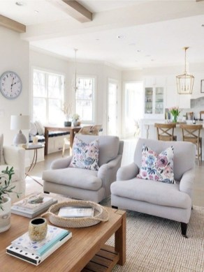 Splendid Living Room Décor Ideas For Spring To Try Soon 33