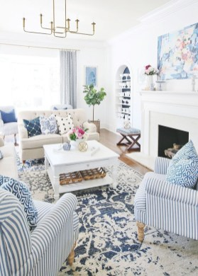 Splendid Living Room Décor Ideas For Spring To Try Soon 36