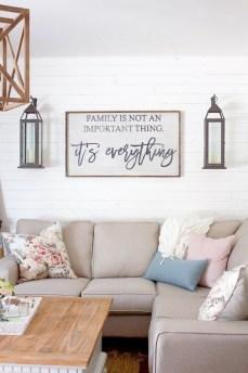 Splendid Living Room Décor Ideas For Spring To Try Soon 42