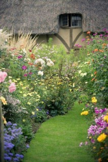 Stunning Garden Designs Ideas For Cottage To Try In 2019 31