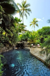 Surprising Tropical Pool Landscaping Design Ideas To Try Soon 05