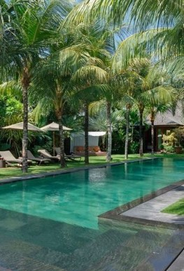 Surprising Tropical Pool Landscaping Design Ideas To Try Soon 44