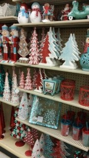 Affordable Colorful Living Christmas Décor Ideas That Suitable For You 23