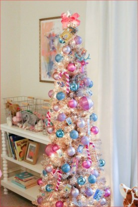 Affordable Colorful Living Christmas Décor Ideas That Suitable For You 24