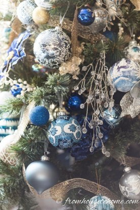 Affordable Colorful Living Christmas Décor Ideas That Suitable For You 33