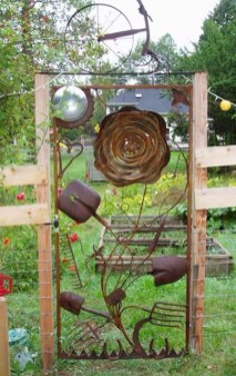 Attractive Garden Art Design Ideas That You Can Create Itself 02