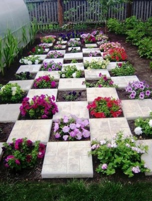 Attractive Garden Art Design Ideas That You Can Create Itself 36