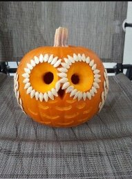 Cozy Pumpkin Carving Design Ideas You Can Do Yourself 13