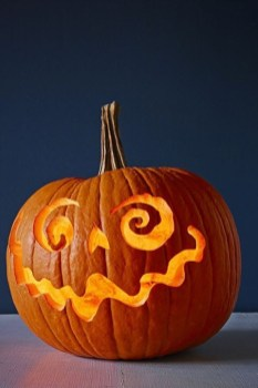 Cozy Pumpkin Carving Design Ideas You Can Do Yourself 17
