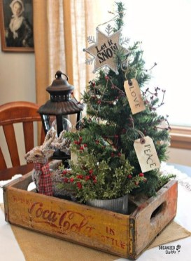 Creative Christmas Centerpieces Ideas That You Must See 25
