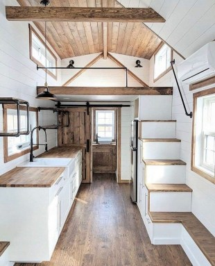 Cute Tiny House Design Ideas On Wheels That You Must Have Now 33