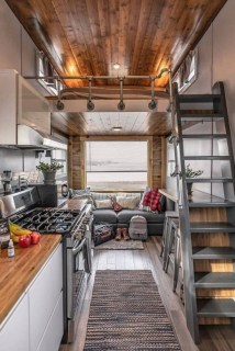Cute Tiny House Design Ideas On Wheels That You Must Have Now 38