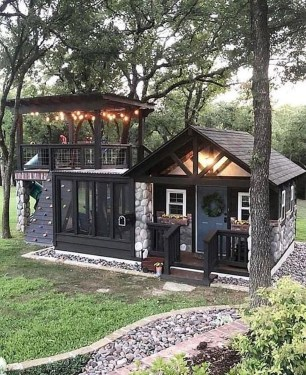 Cute Tiny House Design Ideas On Wheels That You Must Have Now 43