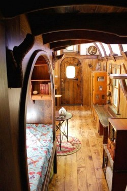 Cute Tiny House Design Ideas On Wheels That You Must Have Now 44