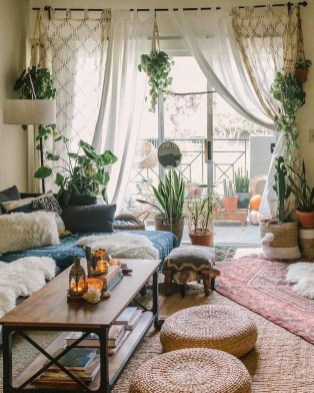 Favorite Living Room Curtain Design Ideas To Enhance Your Living Room 27