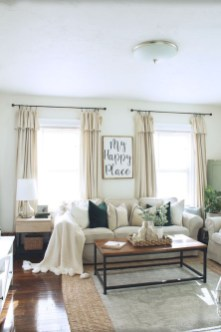 Favorite Living Room Curtain Design Ideas To Enhance Your Living Room 30
