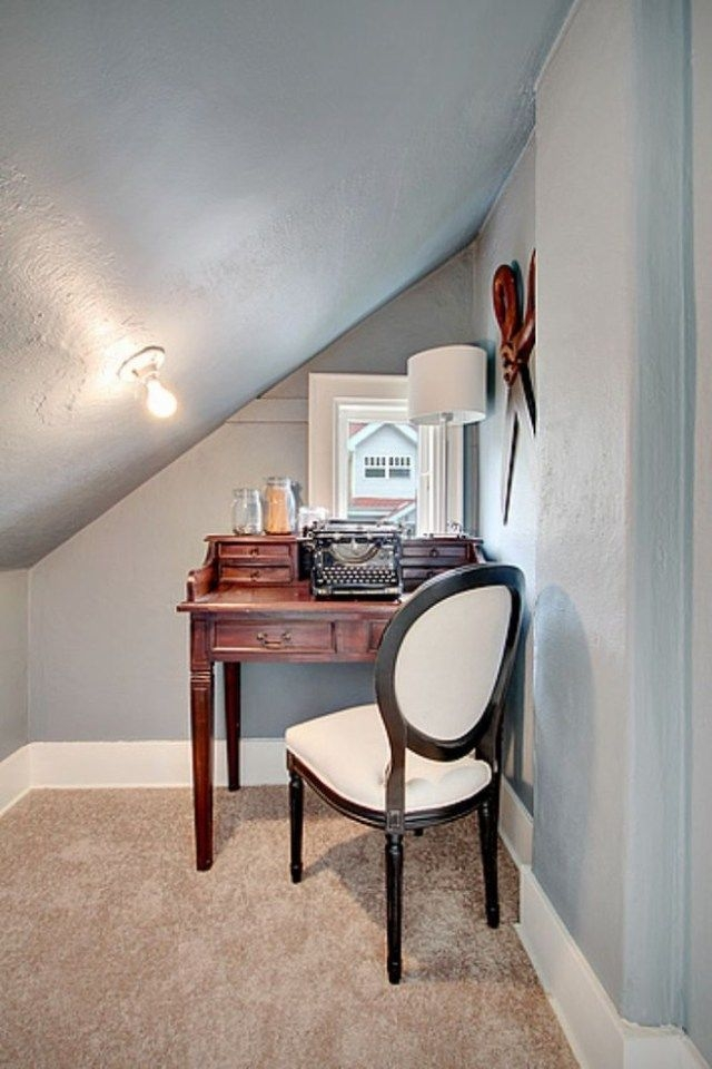 Gorgeous Traditional Small Home Office Design Ideas For You To Have 41