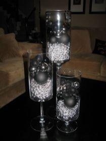 Wonderful Black Christmas Decorations Ideas That Amaze You 11