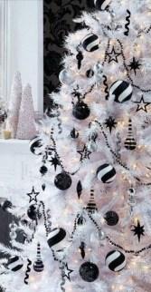Wonderful Black Christmas Decorations Ideas That Amaze You 13
