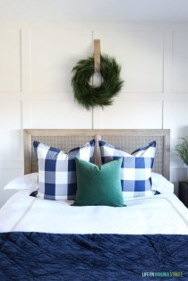 Beautiful Coastal Christmas Decor Ideas For Apartment To Try 38