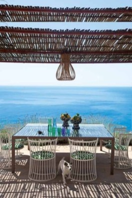 Beautiful Indoor And Outdoor Beach Dining Spaces Ideas To Copy Asap 17