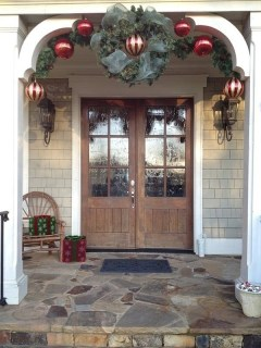 Comfy Christmas Front Porch Decor Ideas To Looks More Elegant 02