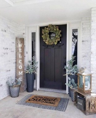 Comfy Christmas Front Porch Decor Ideas To Looks More Elegant 09