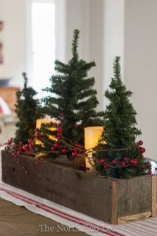 Comfy Christmas Front Porch Decor Ideas To Looks More Elegant 13