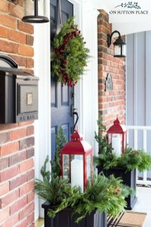 Cozy Outdoor Christmas Decor Ideas To Have Asap 02