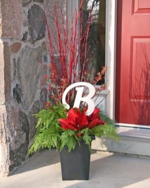 Cozy Outdoor Christmas Decor Ideas To Have Asap 09