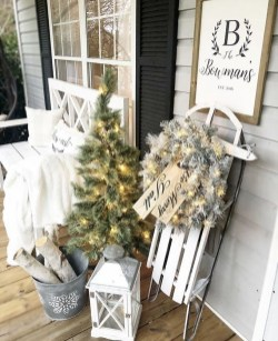 Cozy Outdoor Christmas Decor Ideas To Have Asap 20