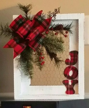 Inspiring Diy Christmas Door Decorations Ideas For Home And School 07