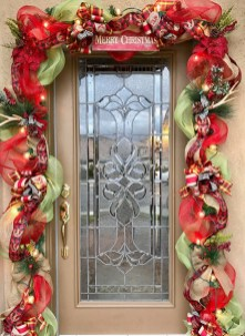 Inspiring Diy Christmas Door Decorations Ideas For Home And School 29