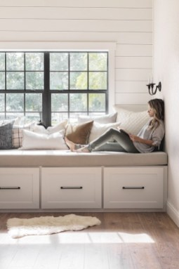 Latest Diy Storage Bench Design Ideas For Your Unique Living Room Decoration 36